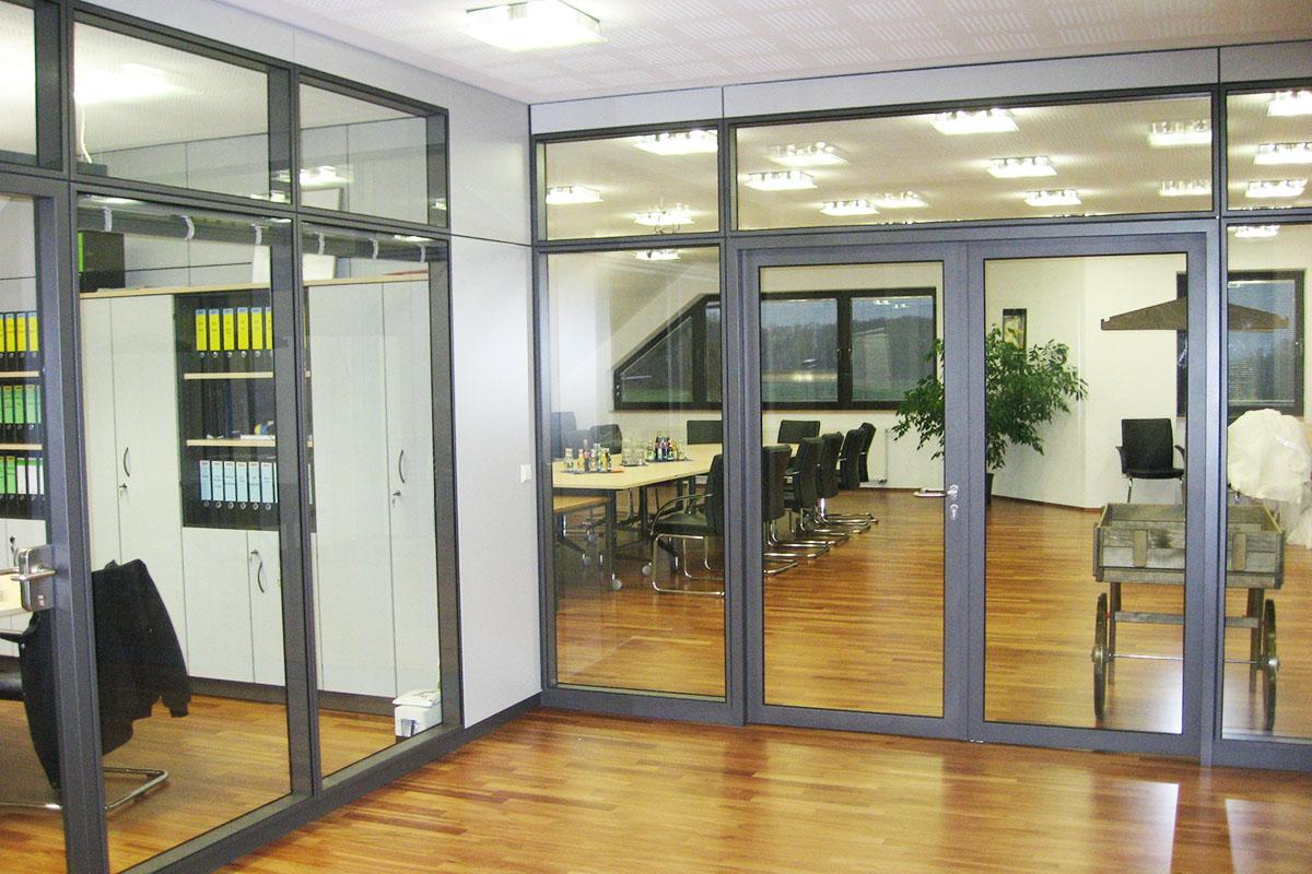 Ganzglasanlage Büroräume