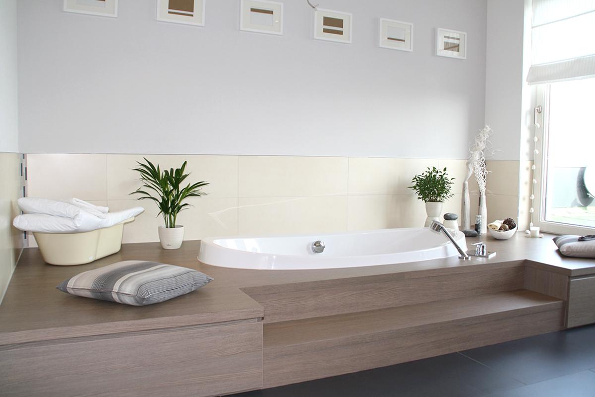 Einbau Badewanne mit Stauraum