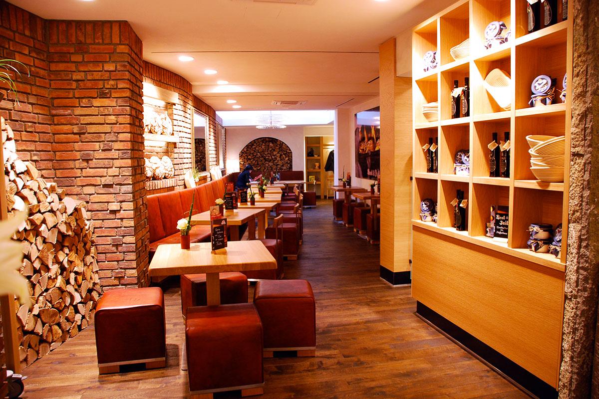 Inneneinrichtung Bäckerei/Cafe