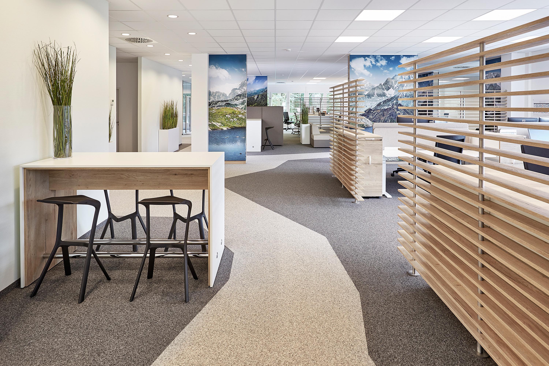 Büroausstattung in Großraumbüro im IT Bereich